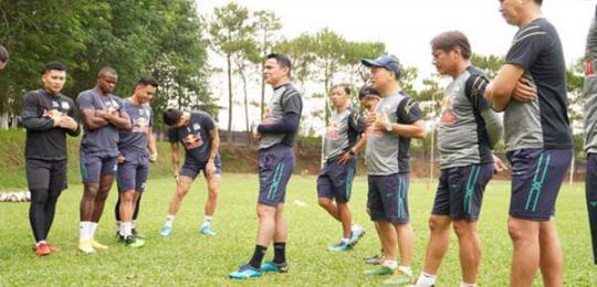 v-league-dung-den-thang-2-2022-cac-ngoai-binh-ra-sao
