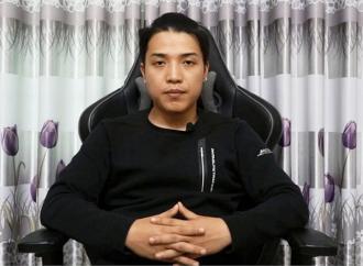 youtuber-co-4-nut-vang-cung-que-son-tung-m-tp-am-luon-nut-kim-cuong-moi-nam-kiem-55-ty